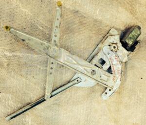 Стеклоподъемник передний правый электр Renault Kangoo 1998-2008 248